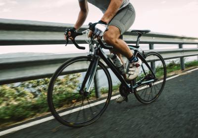 ¿Qué músculos ejercitamos al ir en bicicleta?